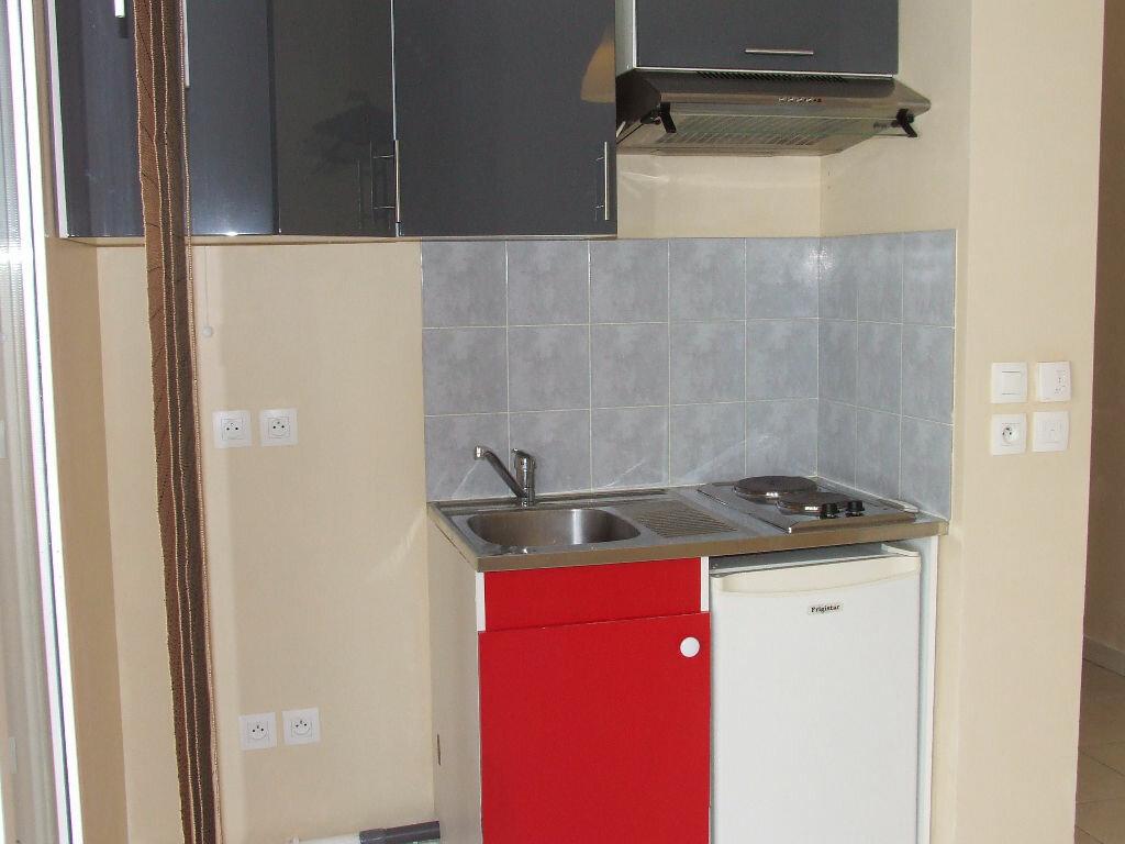 Location Appartement 1 pièce à Champs-sur-Marne - vignette-5