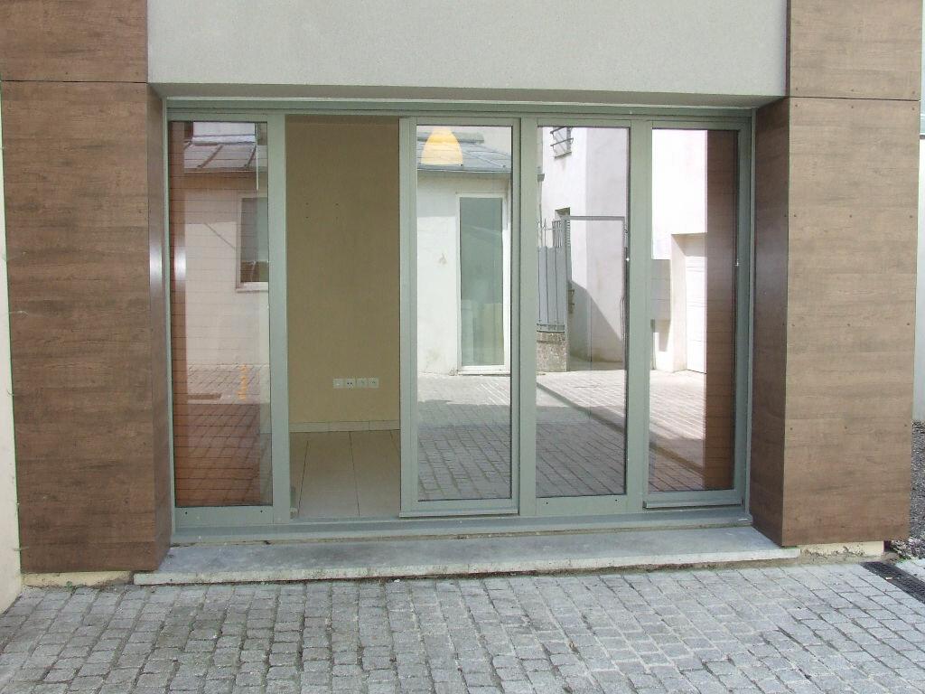 Location Appartement 1 pièce à Champs-sur-Marne - vignette-6