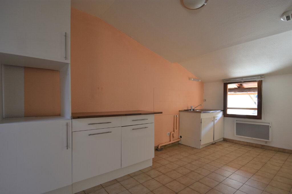 Location Appartement 3 pièces à Cluny - vignette-3