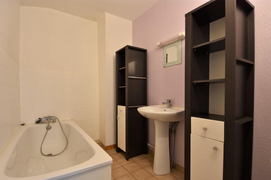 Location Appartement 3 pièces à Cluny - vignette-6