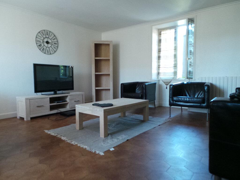 Location Appartement 4 pièces à Mâcon - vignette-1