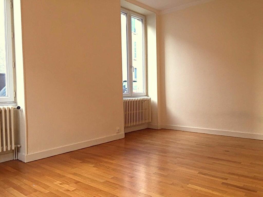 Location Appartement 3 pièces à Mâcon - vignette-1