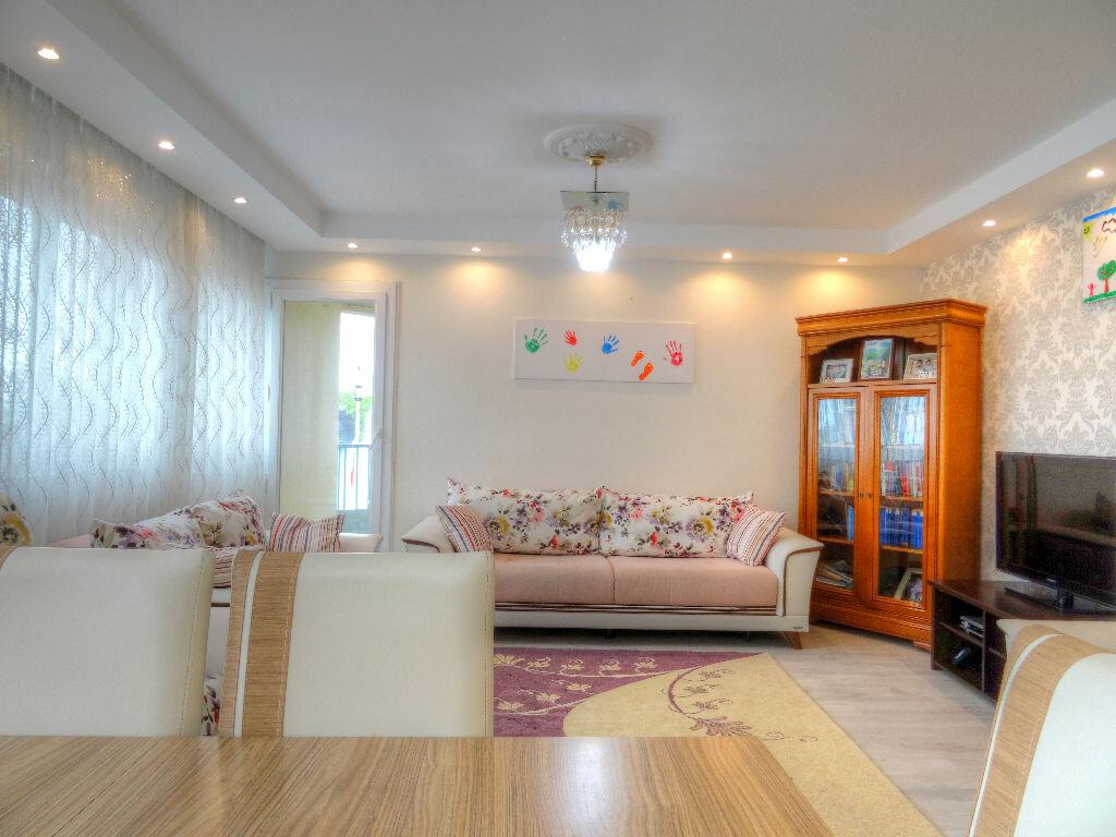 Achat Appartement 4 pièces à Mâcon - vignette-1