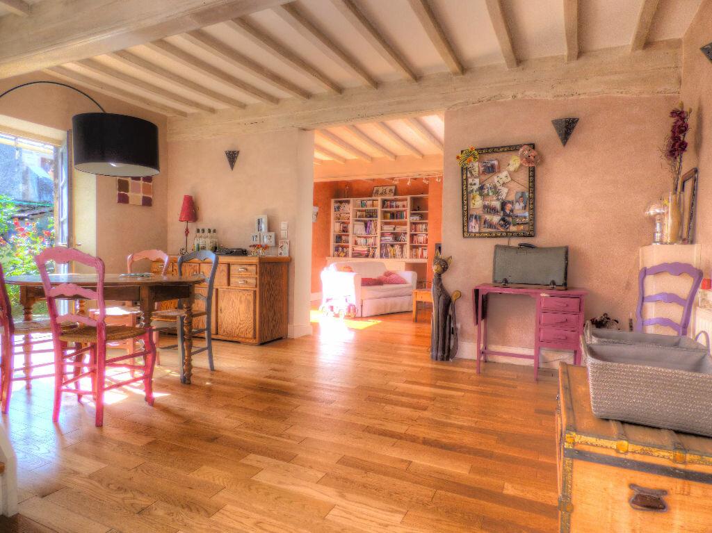 Achat Maison 5 pièces à Fleurville - vignette-1