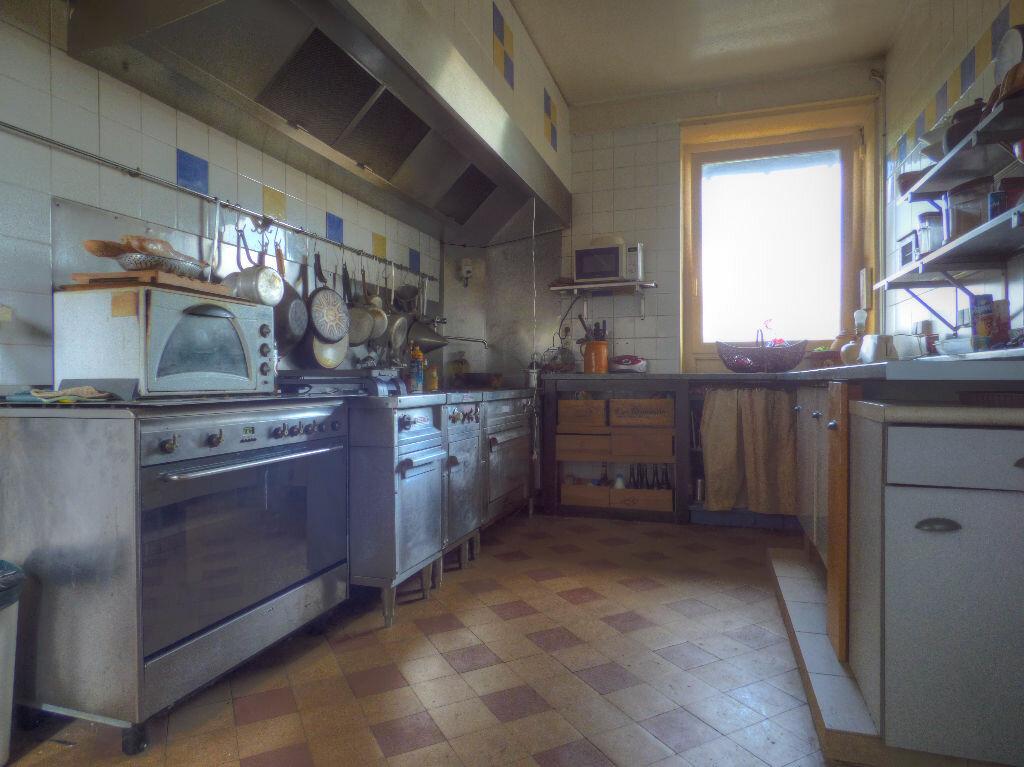 Achat Maison 6 pièces à Quincié-en-Beaujolais - vignette-3