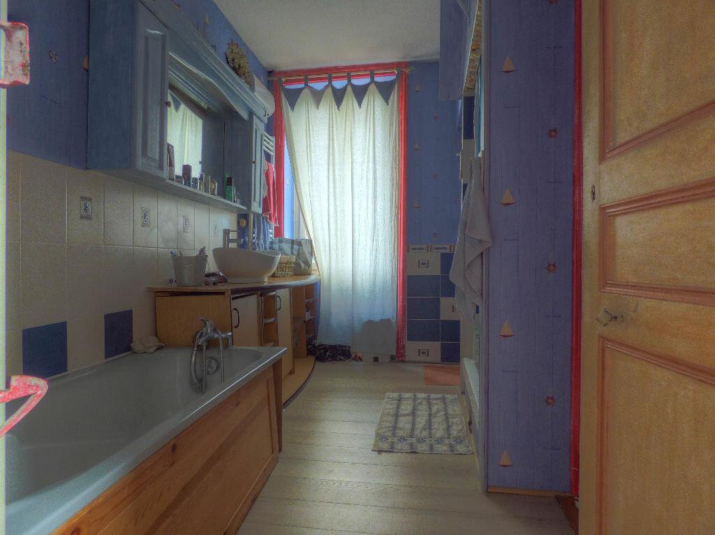 Achat Maison 6 pièces à Quincié-en-Beaujolais - vignette-7