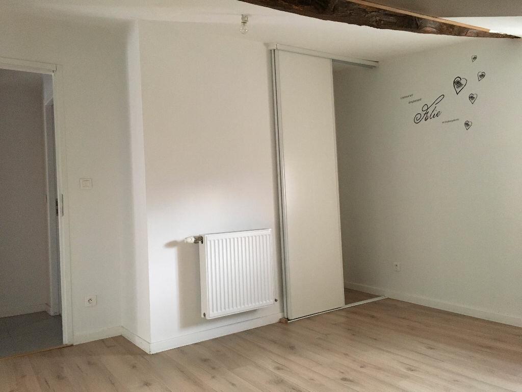 Location Appartement 3 pièces à Jullié - vignette-4