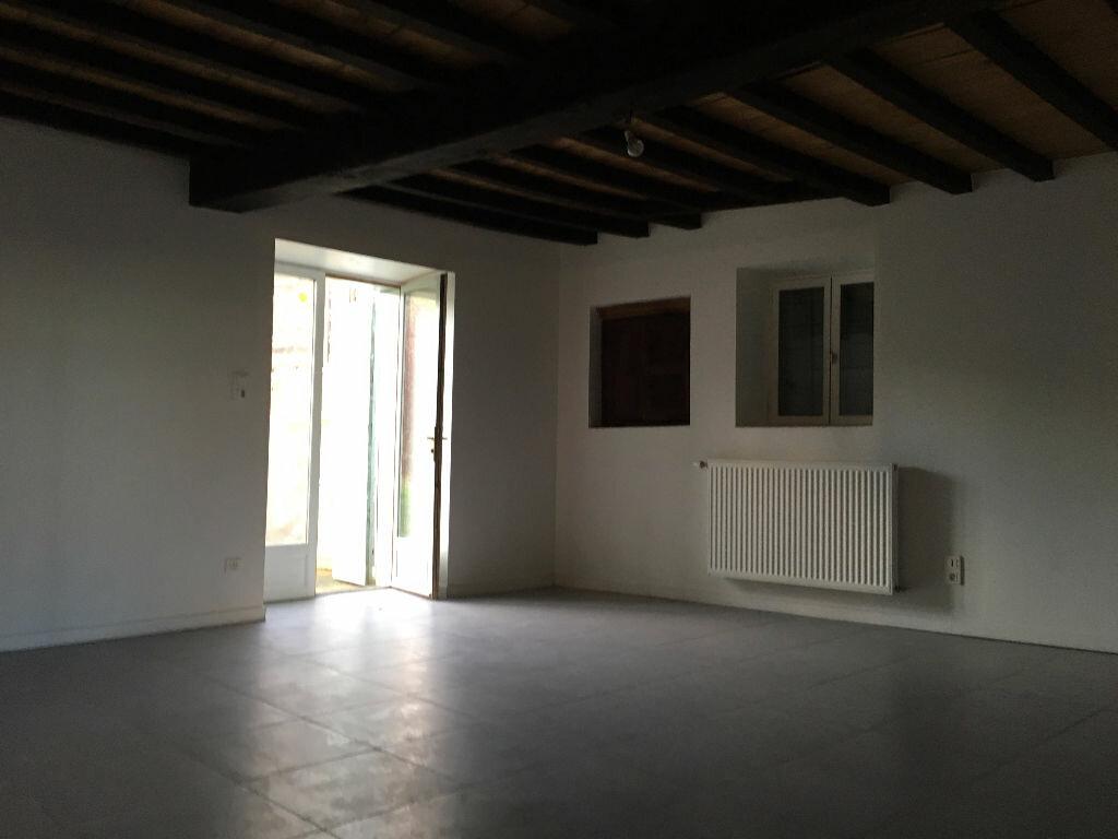 Location Appartement 3 pièces à Jullié - vignette-7