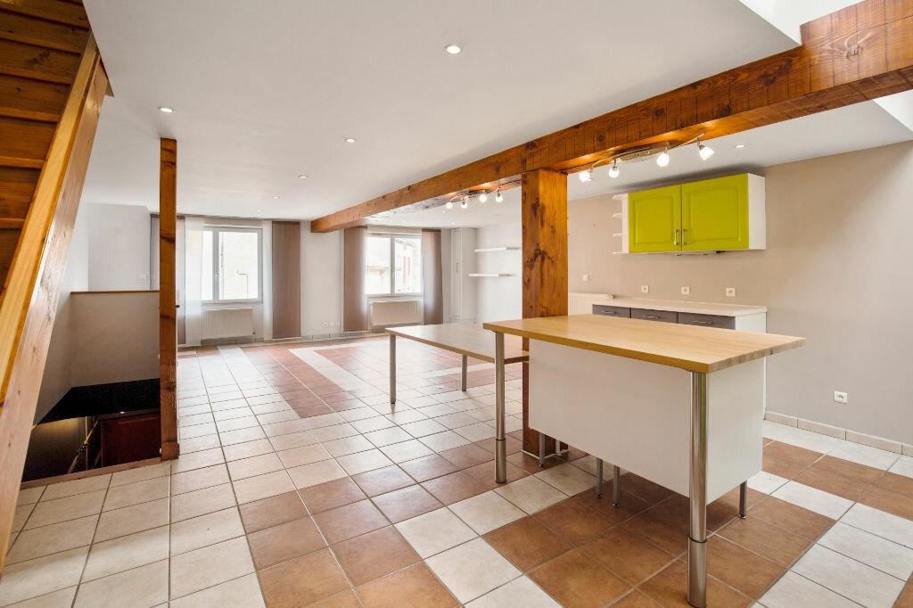 Achat Appartement 5 pièces à Saint-Laurent-sur-Saône - vignette-1
