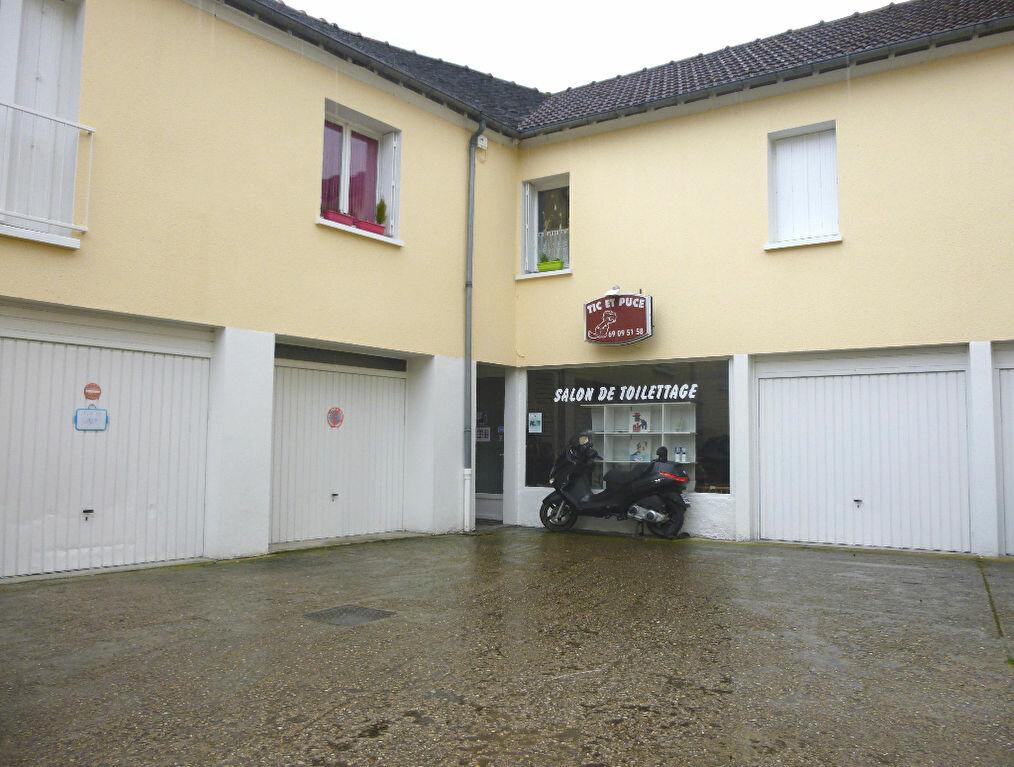 Location Local commercial  à Longjumeau - vignette-1