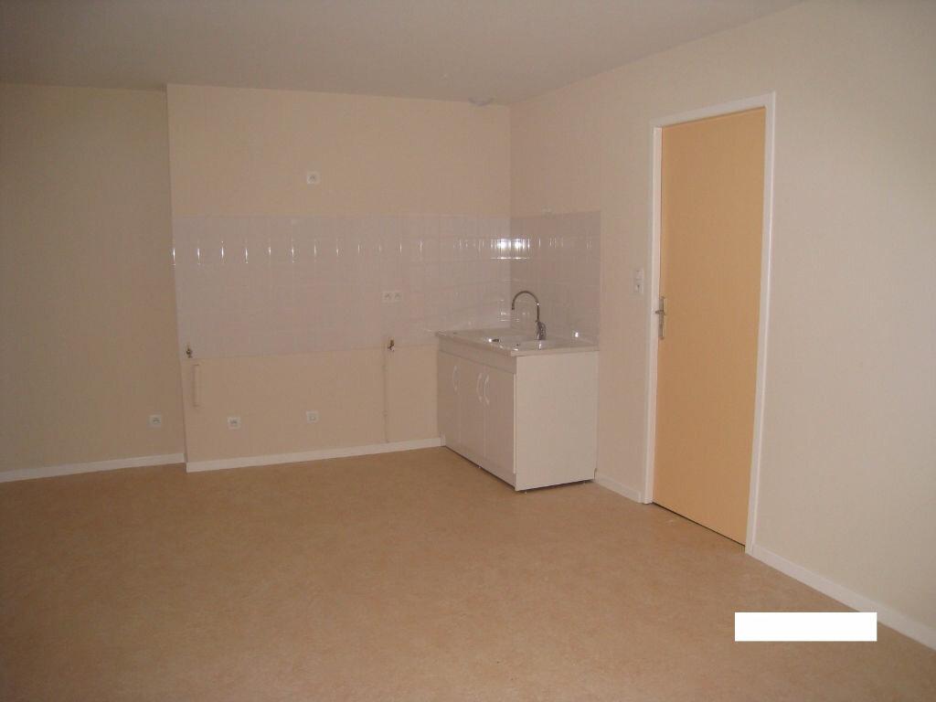 Location Appartement 4 pièces à Vonnas - vignette-3