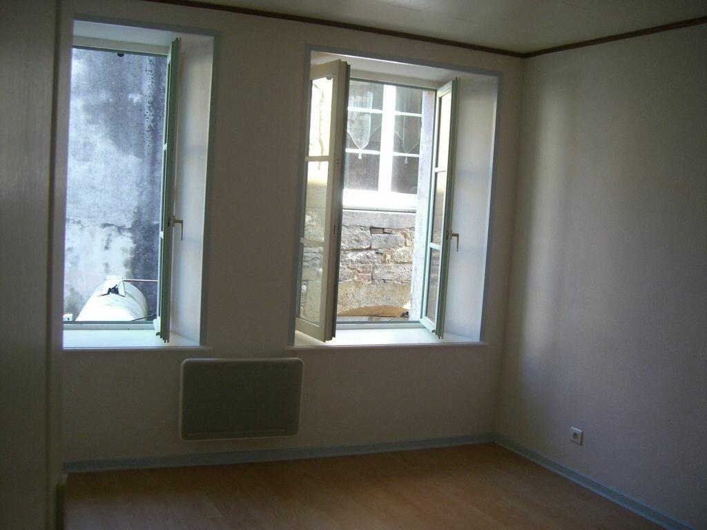 Location Appartement 3 pièces à Val-d'Épy - vignette-2