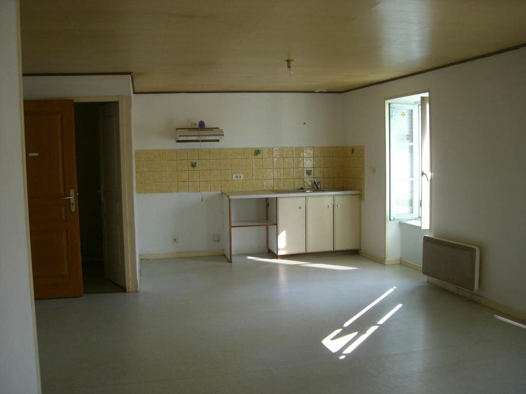 Location Appartement 4 pièces à Val-d'Épy - vignette-1