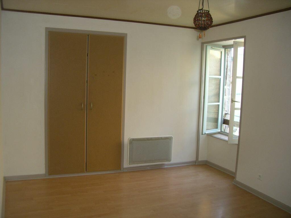 Location Appartement 4 pièces à Val-d'Épy - vignette-2
