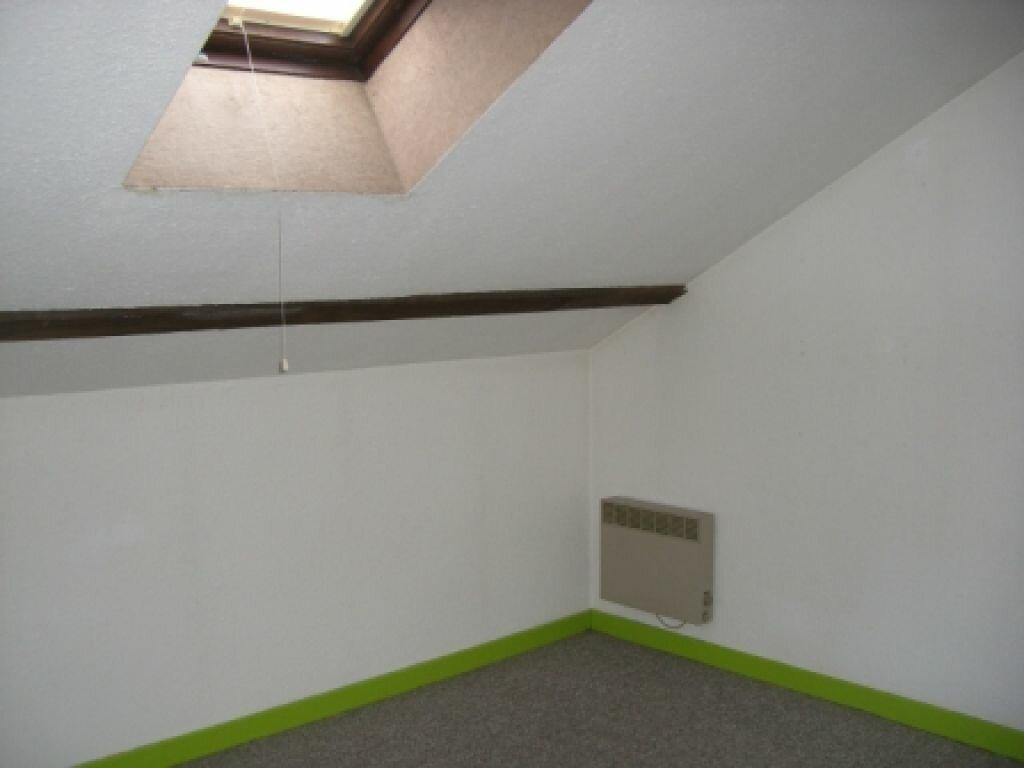 Location Appartement 4 pièces à Hauteville-Lompnes - vignette-3