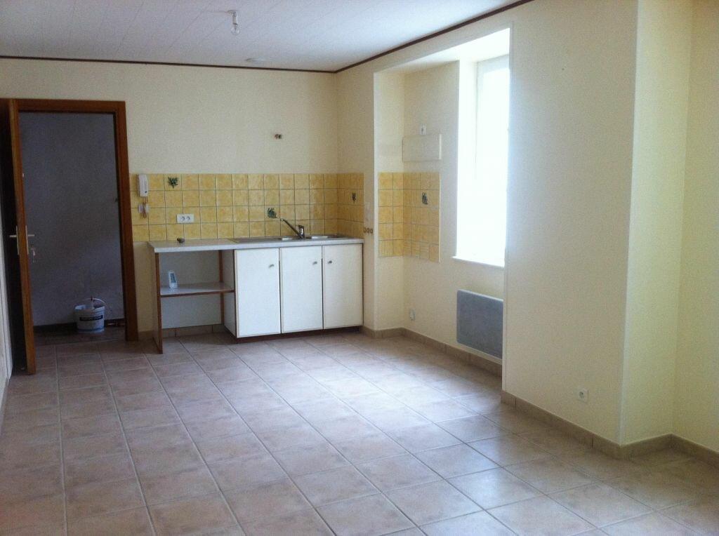 Location Appartement 2 pièces à Coligny - vignette-1