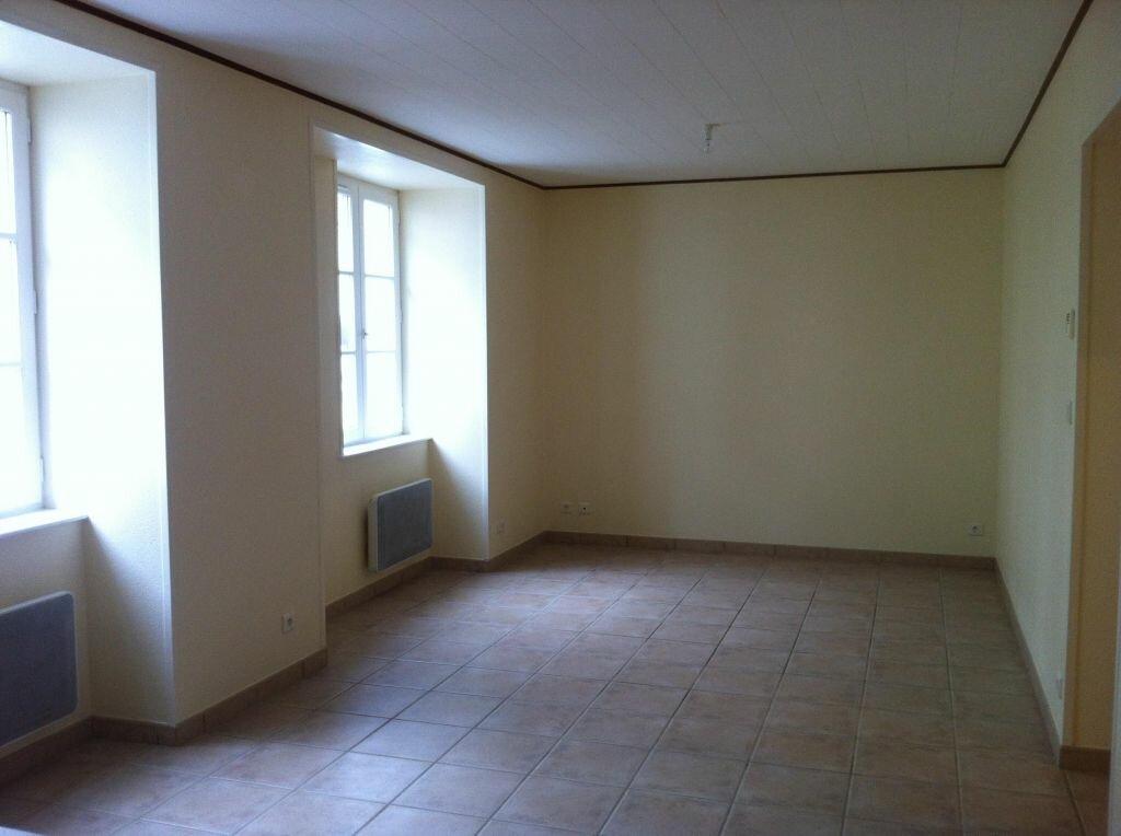 Location Appartement 2 pièces à Coligny - vignette-2
