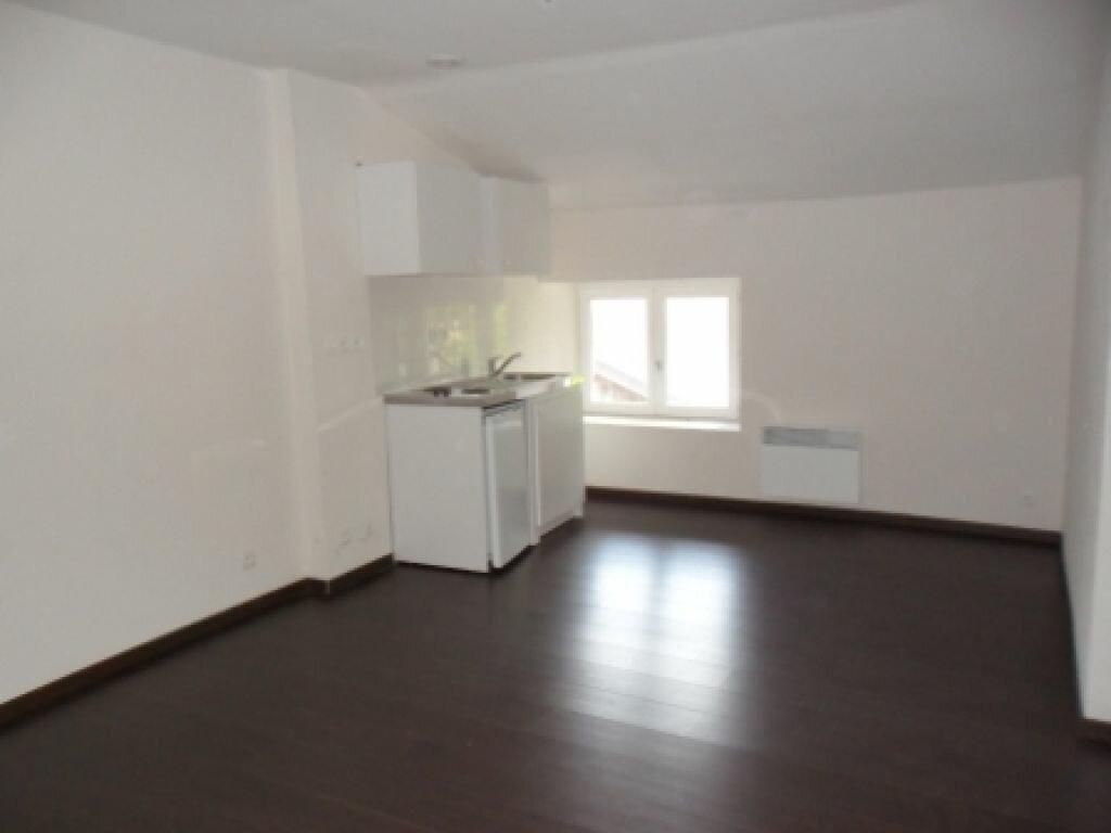 Location Appartement 1 pièce à Hauteville-Lompnes - vignette-1