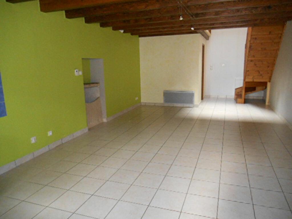 Location Maison 3 pièces à Poncin - vignette-1