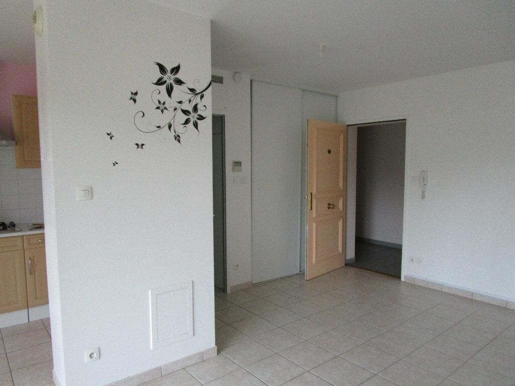 Location Appartement 2 pièces à Attignat - vignette-2