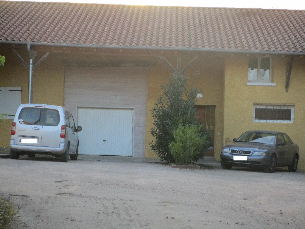 Location Maison 5 pièces à Vandeins - vignette-1