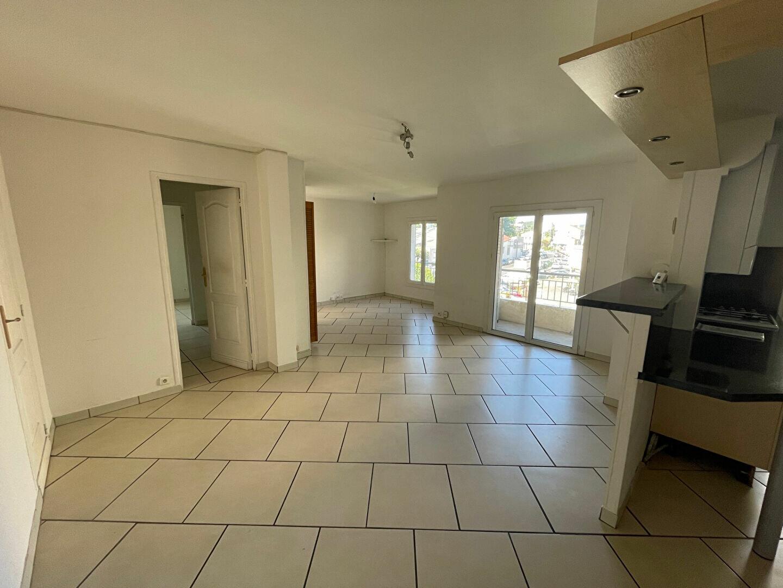 Location Appartement 3 pièces à Marseille 11 - vignette-1