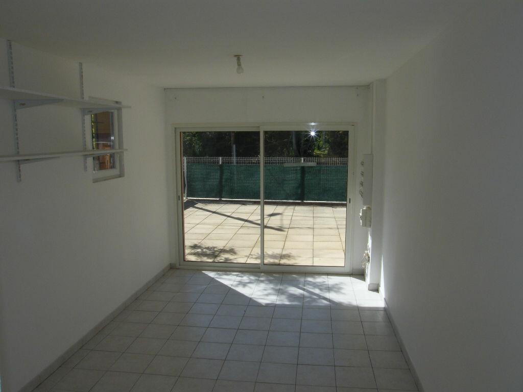 Location Maison 4 pièces à La Destrousse - vignette-6