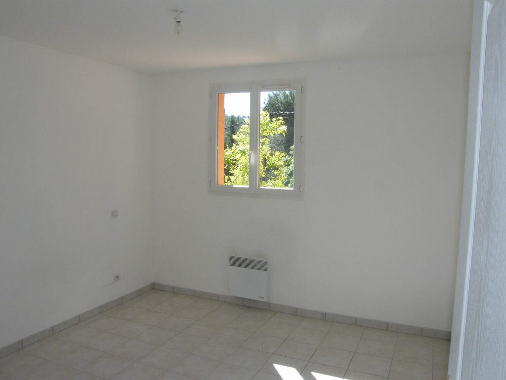 Location Maison 4 pièces à La Destrousse - vignette-9