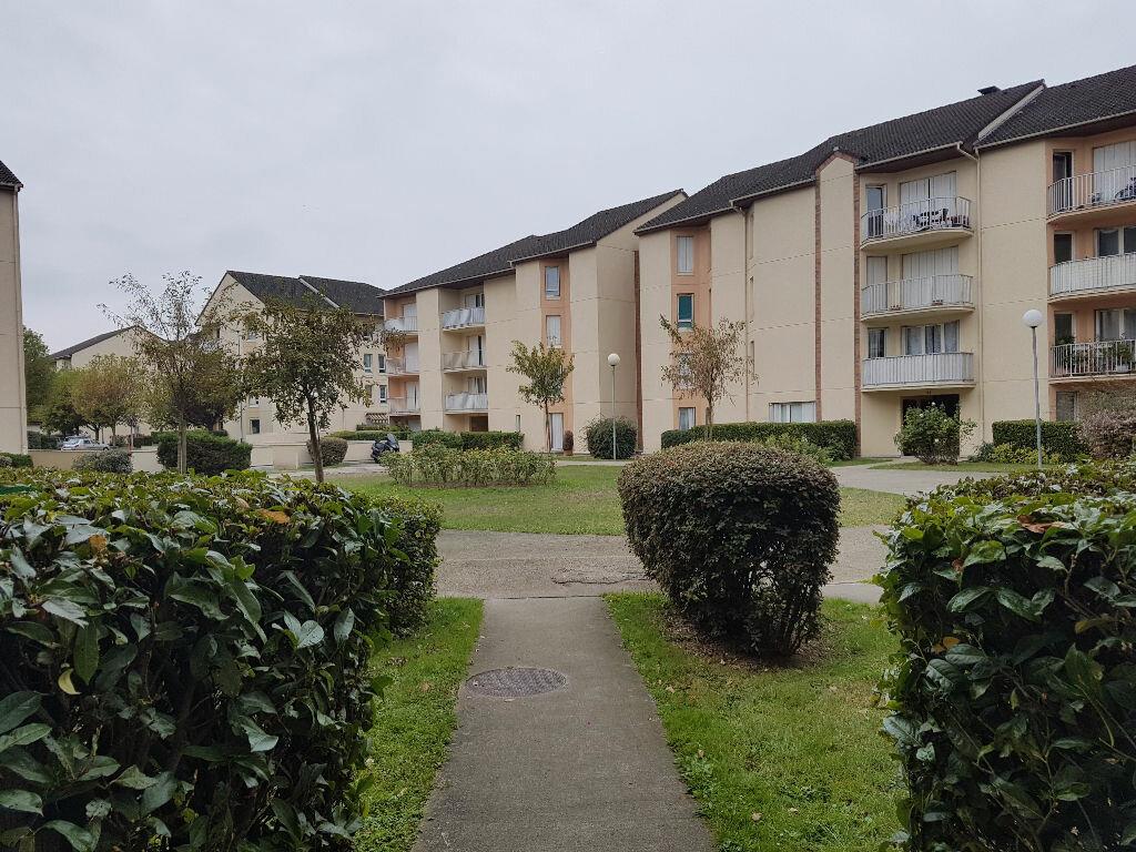 Location Appartement 4 pièces à Le Bourget - vignette-1