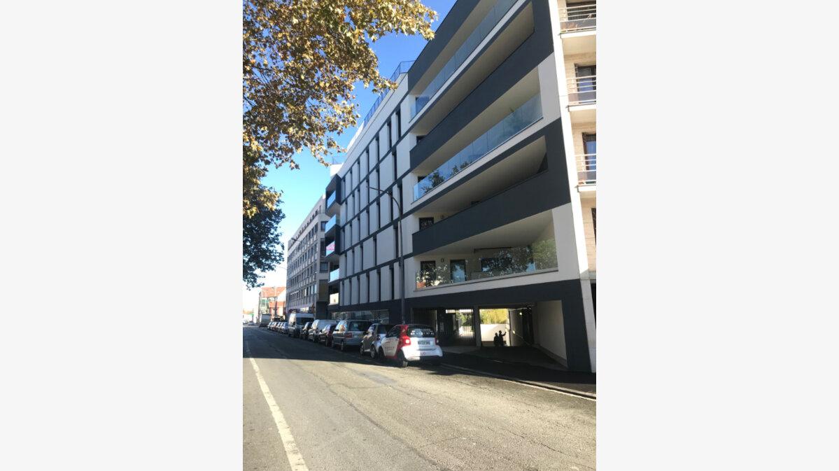 Achat Appartement 4 pièces à Romainville - vignette-1