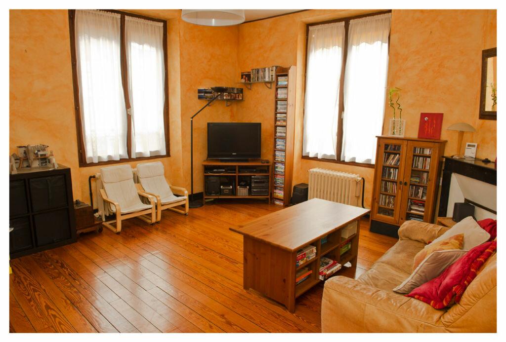 Achat Appartement 3 pièces à Ris-Orangis - vignette-1