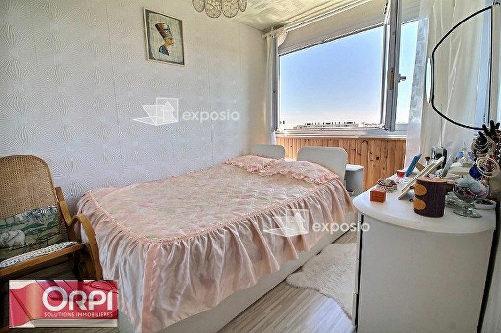 Achat Appartement 3 pièces à Ris-Orangis - vignette-3