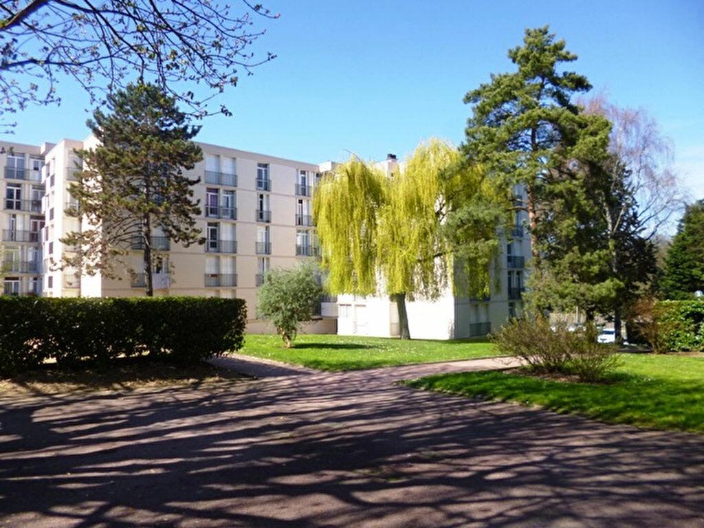 Achat Appartement 5 pièces à Ris-Orangis - vignette-2