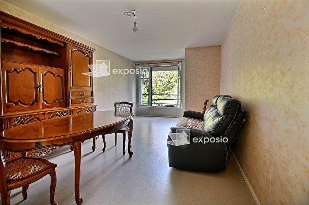 Achat Appartement 4 pièces à Ris-Orangis - vignette-1