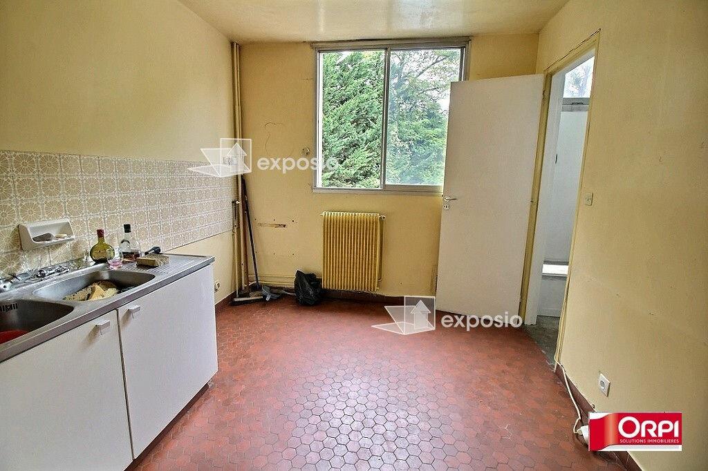 Achat Appartement 4 pièces à Ris-Orangis - vignette-6