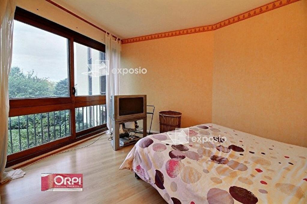 Achat Appartement 4 pièces à Ris-Orangis - vignette-4