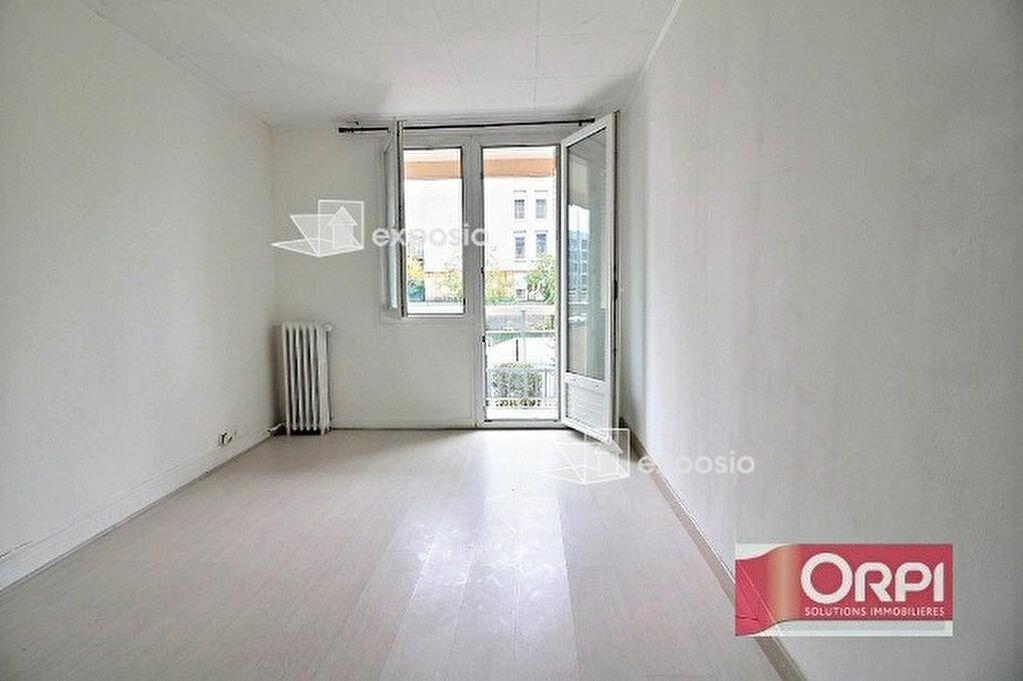 Achat Appartement 4 pièces à Ris-Orangis - vignette-5