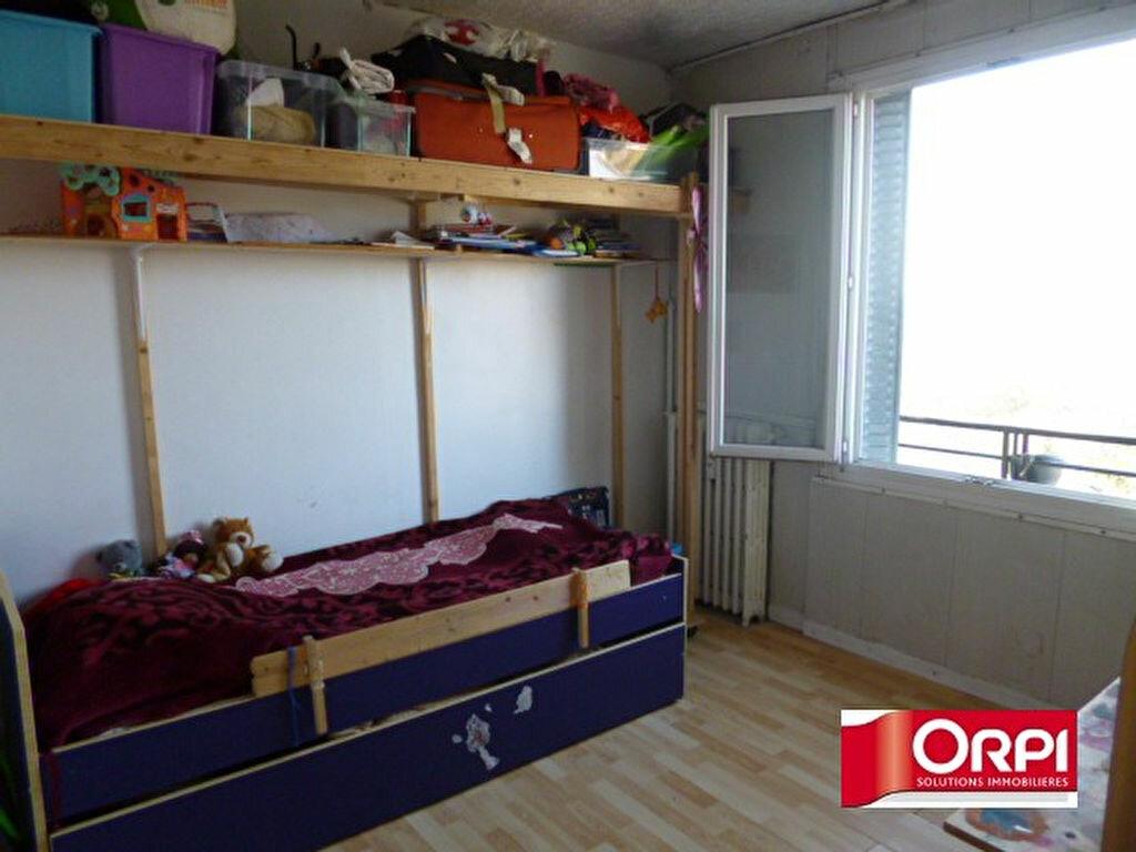 Achat Appartement 2 pièces à Ris-Orangis - vignette-2