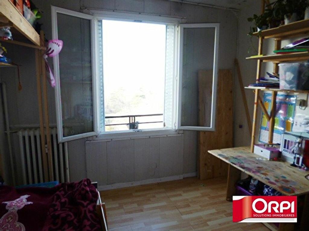 Achat Appartement 2 pièces à Ris-Orangis - vignette-3