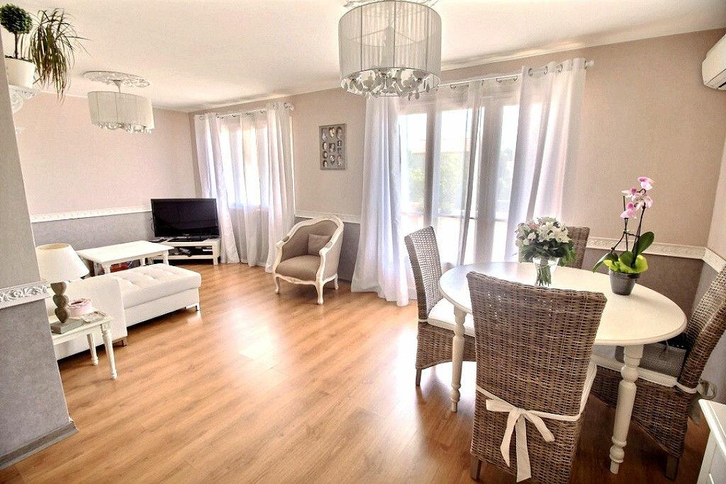 Achat Appartement 3 pièces à Marseille 12 - vignette-2