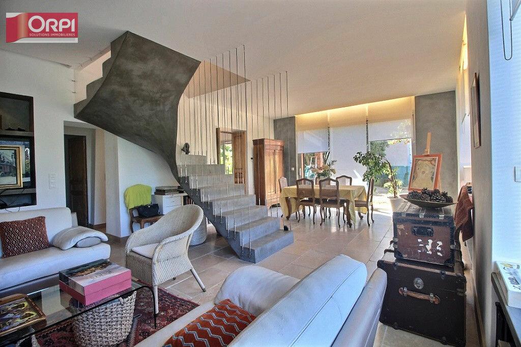 Achat Appartement 5 pièces à Marseille 12 - vignette-1