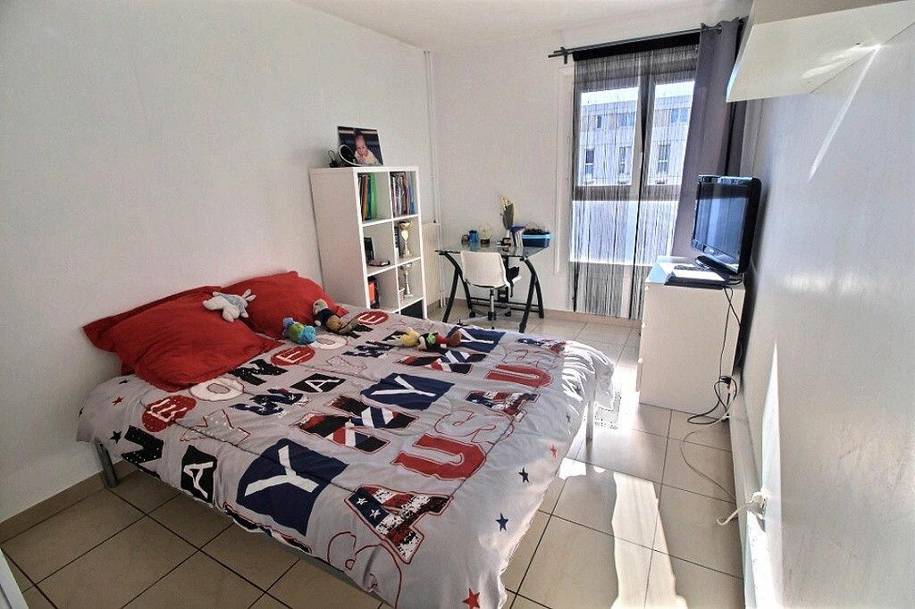 Achat Appartement 4 pièces à Marseille 13 - vignette-4
