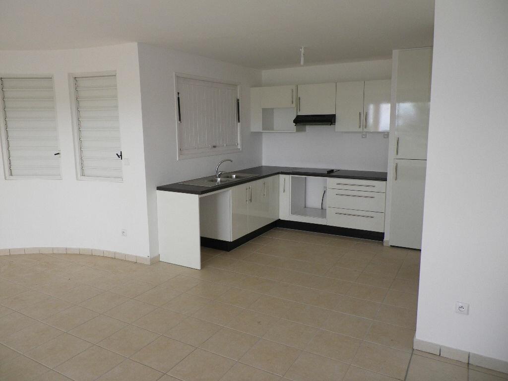 Location Appartement 5 pièces à Le Robert - vignette-3