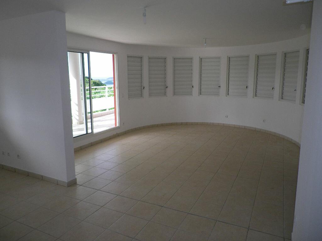 Location Appartement 5 pièces à Le Robert - vignette-4