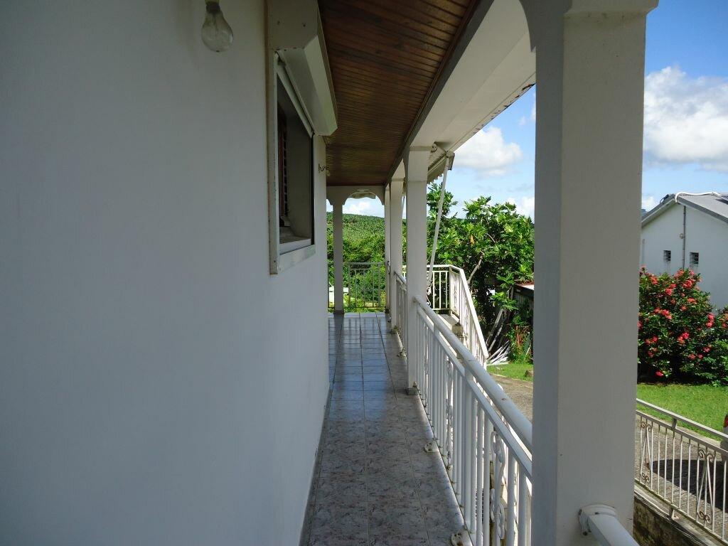 Location Appartement 6 pièces à Saint-Joseph - vignette-4
