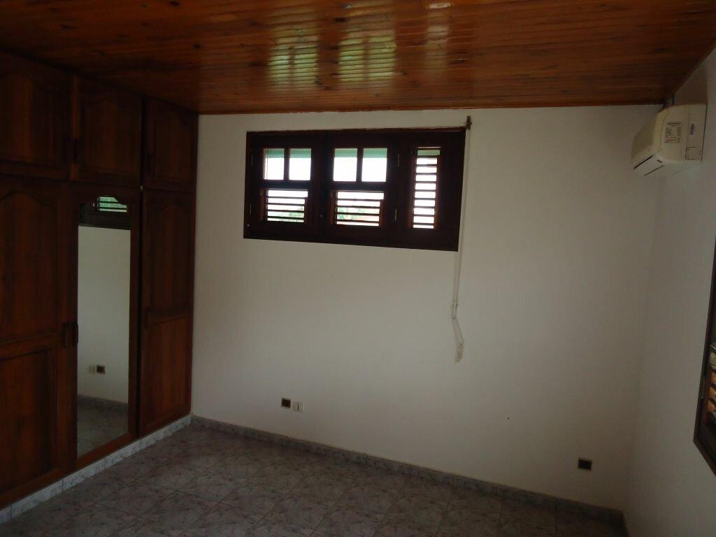 Location Appartement 6 pièces à Saint-Joseph - vignette-5
