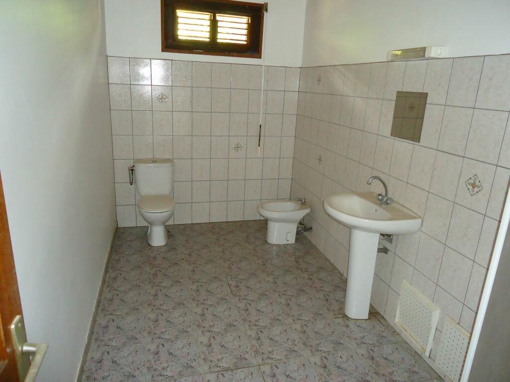 Location Appartement 6 pièces à Saint-Joseph - vignette-8