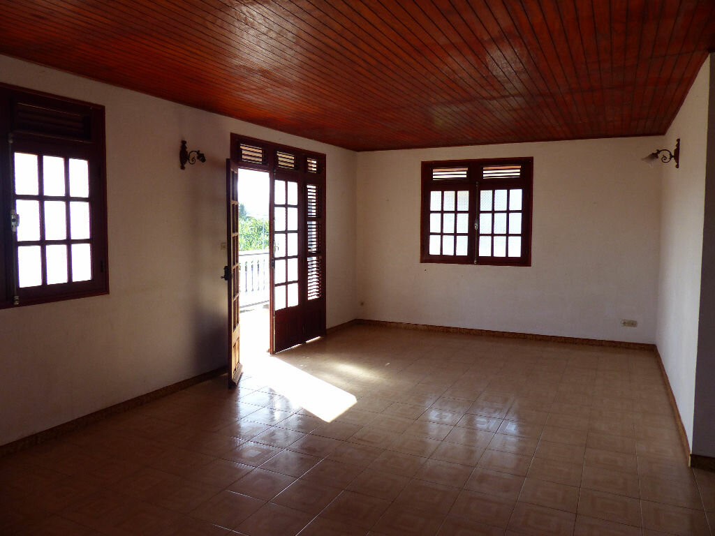 Achat Appartement 4 pièces à Le Lamentin - vignette-4