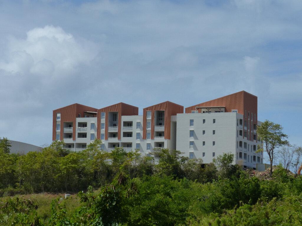 Location Appartement 3 pièces à Fort-de-France - vignette-1
