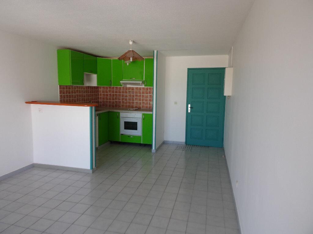 Location Appartement 2 pièces à Ducos - vignette-1